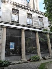 Maison - Français:   n° 3 rue des Gobelins temple