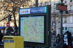 Métropolitain, station Place d'Italie - Français:   Entrée de la station de métro de Porte d\'Italie à Paris.