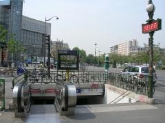 Métropolitain, station Place d'Italie -  Accès de la station Place d'Italie, Paris