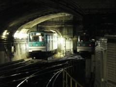 Métropolitain, station Place d'Italie -  Metro de Paris garage rames ligne 5 place d'Italie