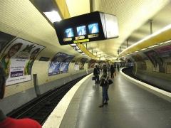 Métropolitain, station Place d'Italie -  Métro de Paris, Station Place d'Italie (ligne 5), Paris, France