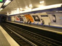 Métropolitain, station Place d'Italie -  Quais de la station Place d'Italie ligne 6, Paris