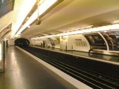 Métropolitain, station Saint-Marcel -  Station de métro Saint-Marcel, les quais, Paris