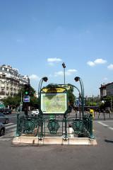 Métropolitain, station Saint-Marcel -  Paris Métro station Saint-Marcel