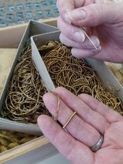 Mobilier National - Français:   Cannetilles dorées de différentes épaisseurs.