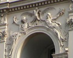 Théâtre des Gobelins  , actuellement cinéma Fauvette -  Façade sculptée par Auguste Rodin