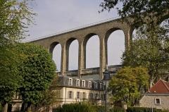 Ancien aqueduc des eaux de Rungis ou aqueduc Médicis (également sur communes de Rungis, Arcueil, Fresnes, Cachan, L'Hay-les-Roses, Gentilly, dans le Val-de-Marne) -  L'aqueduc de Cachan (94)
