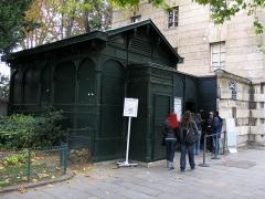 Barrière d'Enfer -  Catacombes - Paris 10/2008