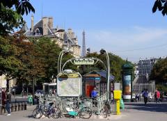 Métropolitain, station Pasteur - English: Pasteur boulevard - Paris