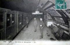 Métropolitain, station Pasteur -