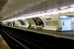 Métropolitain, station Pasteur -  Quai direction Nation de la station Pasteur du métro de Paris.