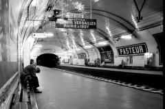Métropolitain, station Pasteur -  Métro Pasteur, Paris.