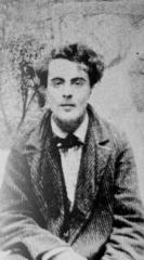 Ateliers d'artistes La Ruche - English: Amedeo Modigliani at the garden of La Ruche in Paris