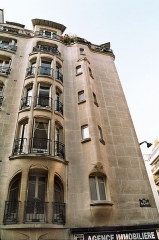 Immeubles Agar - English: Building on Rue Agar 2 in Paris, France by Hector Guimard (1867–1942)