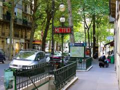 Métropolitain, station Mirabeau -  Paris