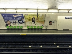 Métropolitain, station Monceau - Français:   Joseph-André Motte (Français, 1925-2013): siège \