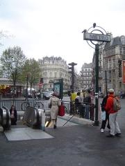 Métropolitain, station Villiers - English: A picture of the parisian metro station