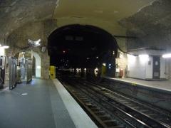 Métropolitain, station Villiers - Français:   Hauteur exceptionnel du tunnel de la station Villiers sur la ligne 3 du métro de Paris.