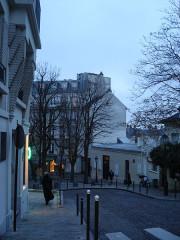 Le Bateau Lavoir - English:   Street View from Paris