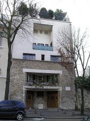 Maison de Tristan Tzara - Deutsch: Haus von Tristan Tzara in Paris, 15 Avenue Junot in Paris. Erbaut von Loos 1926.