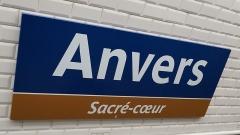 Métropolitain, station Anvers - Français:   Renommage de la station de métro Anvers à l\'occasion du 1er Avril 2016 Renversement de l\'image initiale en attendant le téléversement de la photo de circonstance