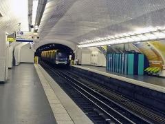 Métropolitain, station Anvers - Français:   Station Anvers de la ligne 2 du métro de Paris, France.