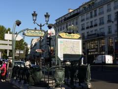 Métropolitain, station Pigalle - English: Pigalle Metro entrance,  Place Pigalle, Paris