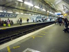 Métropolitain, station Place de Clichy -  métro place de clichy