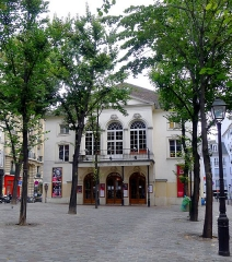 Théâtre Montmartre  , puis Théâtre de l'Atelier (ou Charles-Dullin) - Français:   Théâtre de l\'Atelier sur la place Charles-Dullin - Paris XVIII