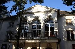 Théâtre Montmartre  , puis Théâtre de l'Atelier (ou Charles-Dullin) - Deutsch: Théâtre de l'Atelier, 1, place Charles Dullin im 18. Arrondissement von Paris