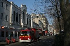Ancien théâtre Victor Hugo, cinéma Trianon - English:  After the fire at the Élysée Montmartre (March 22nd 2011)