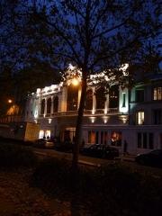 Ancien théâtre Victor Hugo, cinéma Trianon -  Trianon vue de l'autre coté du boulevard