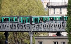 Métropolitain, station Jaurès -  Paris zoom métro aérien station JAURèS-005