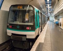 Métropolitain, station Pré-Saint-Gervais - English:   A MF 88 train of the Paris Métro at the Pré Saint-Gervais Station