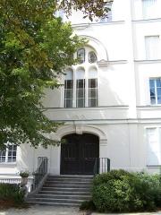 Pavillon dit Pompadour - English: Ancien orphelinat des sœurs de Saint Vincent de Paul dans le jardin du Carré de Baudouin