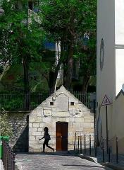 Eaux de Belleville : Regard Saint-Martin - Français:   Regard Saint-Martin vu de la rue de Savies - Paris XX