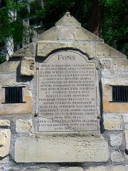 Eaux de Belleville : Regard Saint-Martin - Français:   Rue des Cascades - n°42 regard Saint-Martin  (inscription) - Paris XX