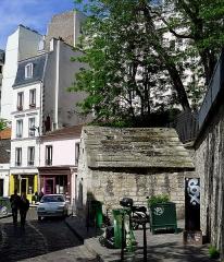 Eaux de Belleville : Regard Saint-Martin - Français:   Rue des Cascades - n°42 regard Saint-Martin  - Paris XX