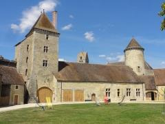 Château - Tour carrée et tour Nord.
