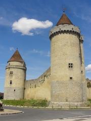Château - Tour des Gardes et donjon.