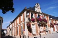 Abbaye Saint-Pierre - Lagny-sur-Marne - Hôtel de Ville