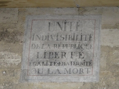 Immeuble - English: Revolutionary writing on a wall in Lagny-sur-Marne (France). The text is :