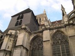 Cathédrale Saint-Etienne - Français:   Tour sud et chapelles méridionales de la nef de la cathédrale Saint-Etienne - Meaux - Seine-et-Marne - France - Mérimée PA00087087
