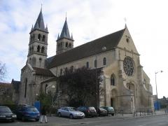 Eglise Notre-Dame -  La collégiale Notre Dame de Melun, dans l'ile Saint-Etienne, à Melun.