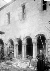 Ancien prieuré Saint-Sauveur -