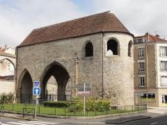 Ancien prieuré Saint-Sauveur - Français:   Église du prieuré Saint-Sauveur.