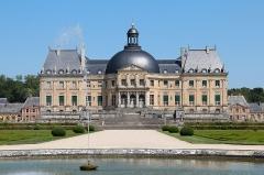 Château de Vaux-le-Vicomte - Français:   La façade sud du château de Vaux-le-Vicomte vue depuis le \