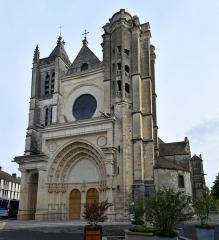 Eglise Notre-Dame - Nederlands: De Collégiale Notre-Dame-et-Saint-Loup de Montereau-Fault-Yonne