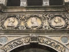 Maison dite de François Ier ou Hôtel de Chabouillé, dans la cour de l'Hôtel de ville -  Moret-sur-Loing, Seine-et-Marne, France: Maison François Ier