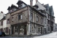 Maisons néogothiques - English:  House of the good Saint James.